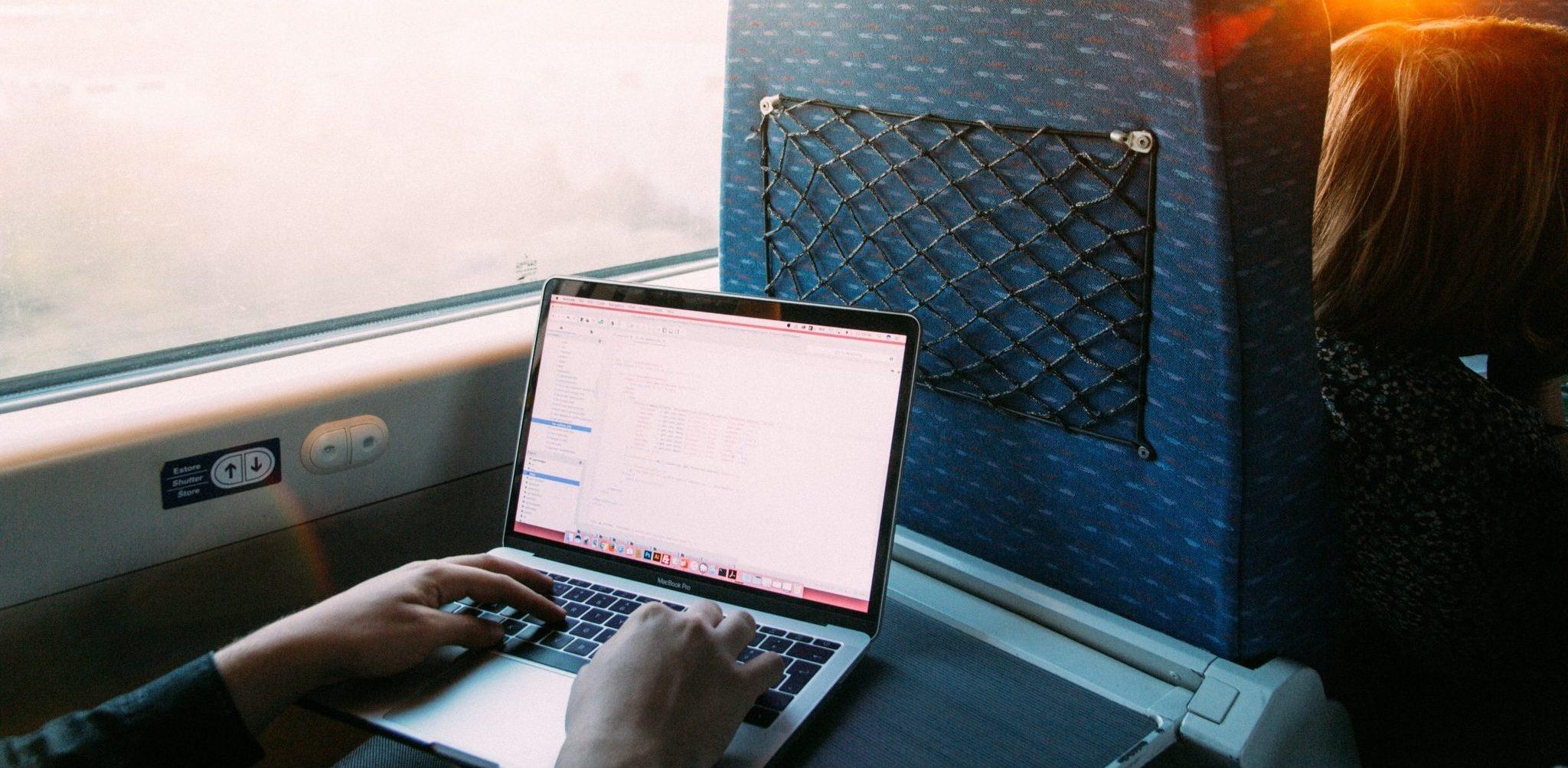 Sikkerhets-modus på nett når du jobber på toget