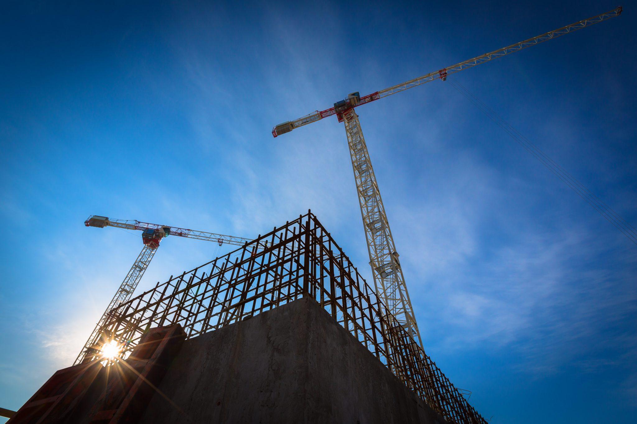 Bilde av byggkonstruksjon hvor Halvor Jensen er administrerende direktør iNTI vil minske avfallet