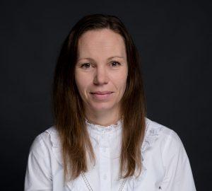 Foto av Linn Karlsvik, økonomi- og administrasjonssjef i Micasa.