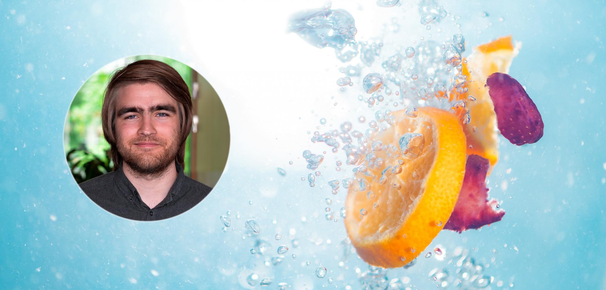 Appelsinskiver og kronblader som slippes i vann sammen med et profilbilde av Xledger ansatt Benjamin Ravnå.